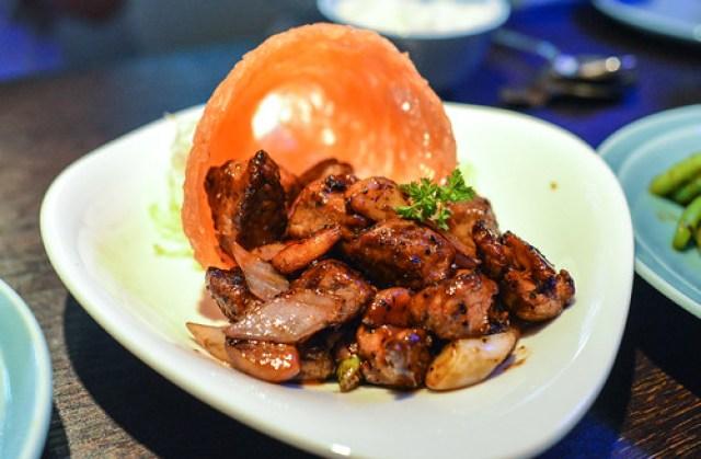 Stir-fry black pepper beef ribeye with merlot