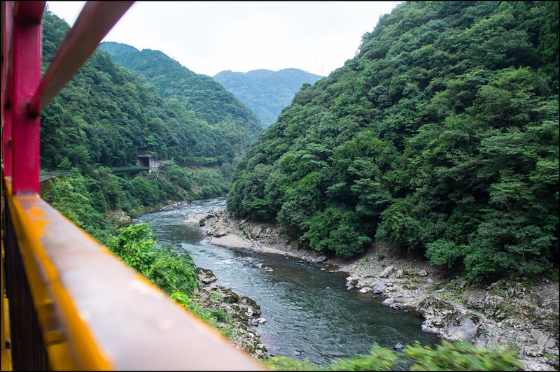 05082013Arashiyama_train-51