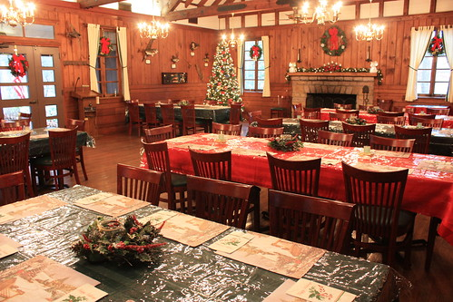 DO_Lakeview Restaurant_Christmas