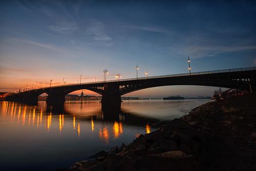 Theodor-Heuss-Brücke by OK's Pics