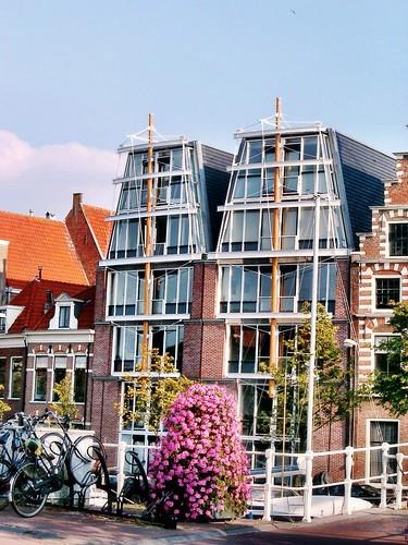 Ship style house, Amsterdam by SpatzMe