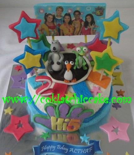 Kue ulang tahun Hi5 dan bernard bear