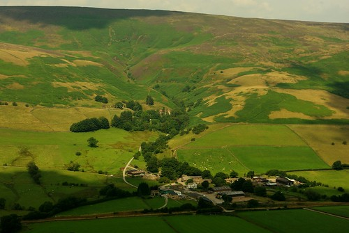 20130808-16_Edale (and Kinder plateau) from Back Tor on The Great Ridge by gary.hadden