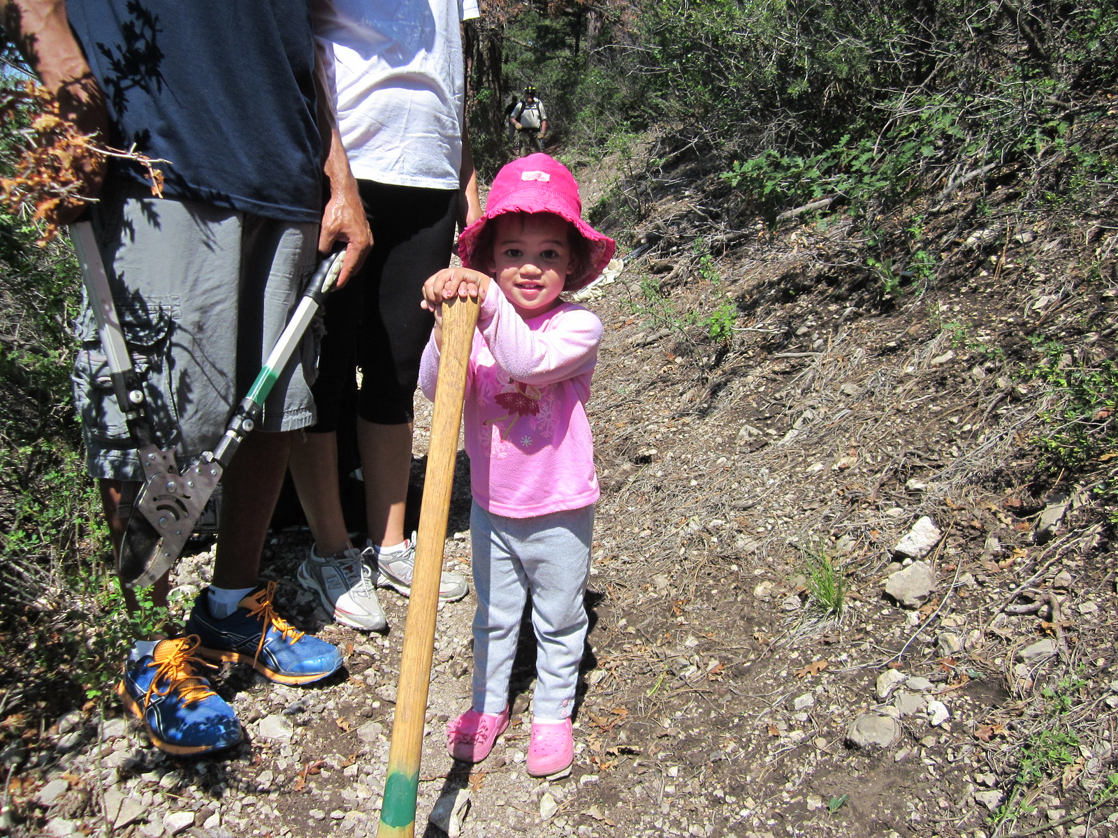 New Mexico Rails-to-Trails pint sized volunteer
