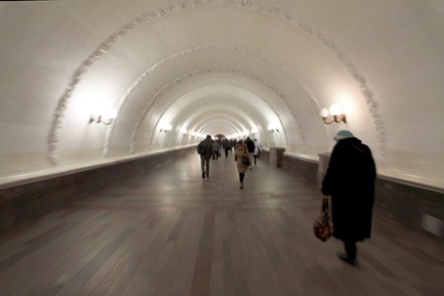 Long underground walkway linking the two metro lines