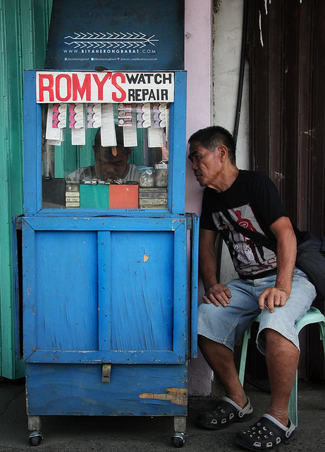 AKO Photowalk 2013 Mobile watch repair shop Kalibo Aklan