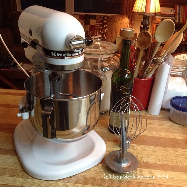 31/1/2014 - mechanical {my favourite mechanical device}. I make sure it gets a good workout in a regular basis! #photoaday #mechanical #kitchenaid #standmixer #kitchen #cooking