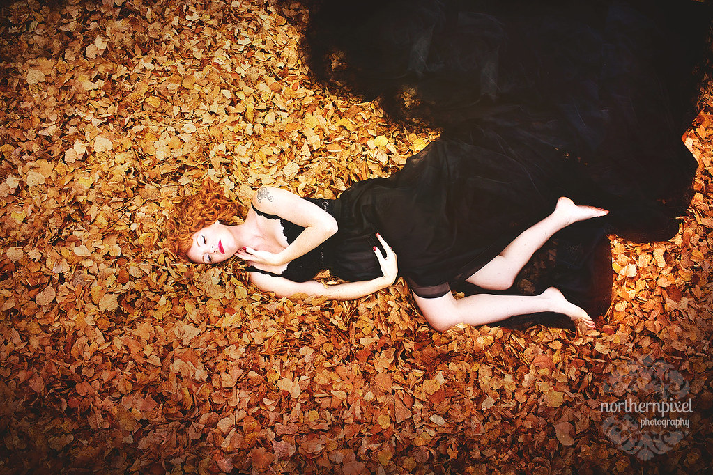 Maternity Session - Prince George BC Fall Leaves Photos