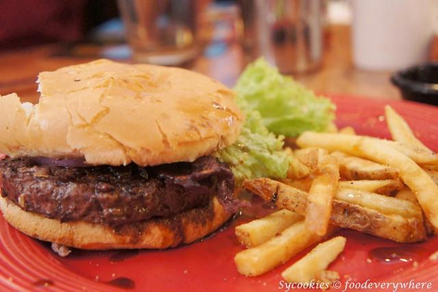 9.tennes burger rm 27.90 tgif_
