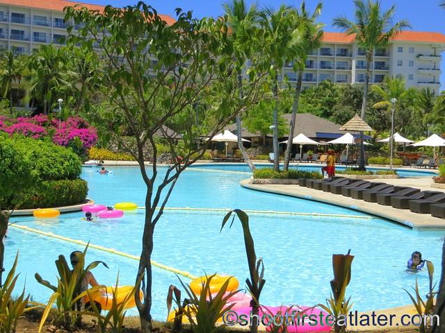 Shangri-La Mactan - main pool-001
