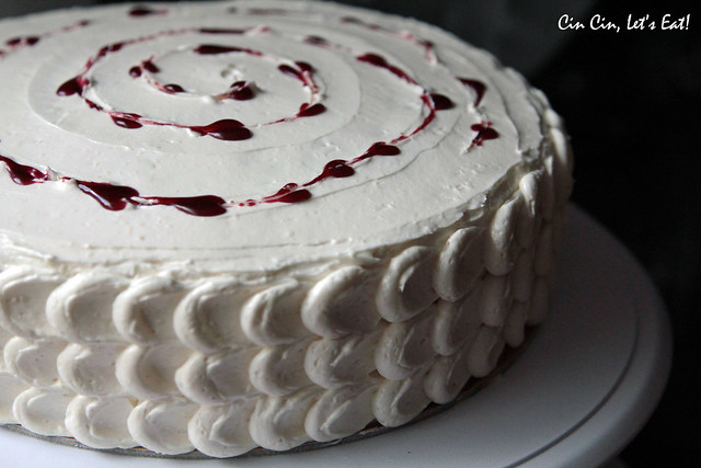 blackberry white chocolate cake 11