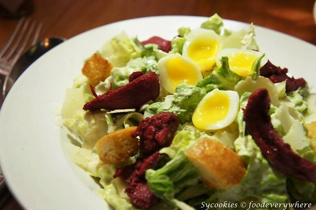 5.silverspoon publika-Csesar Salad RM18-Crisp baby romaine with Caesar dressing, topped with tandoori chicken, parmesan cheese and quail egg (2)