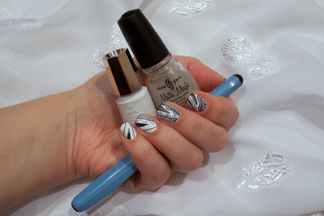 03-esher-graphic-nails-mavala-white