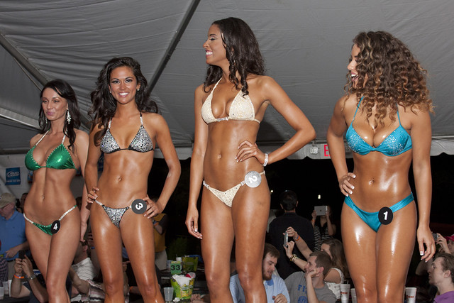 Skimpiest bikini contest goes