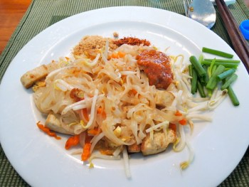 May Kaidee pad thai