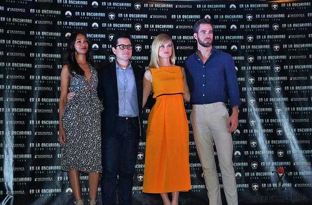 Zoe Saldana, J.J Abrams , Alice Eve , Chris Pine Photocall Mexico City Star Trek Into Darkness Foto : Applehead Ink