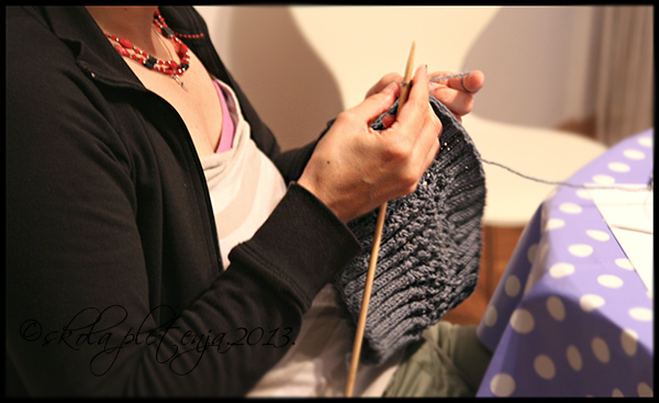knitting in circle school