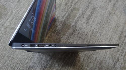 Dell XPS 13 ด้านซ้าย