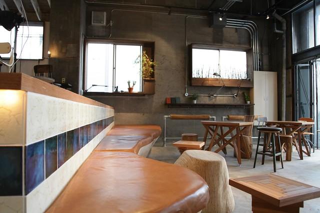 NUI Hostel bar and lounge