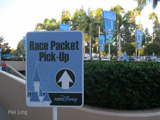 Race Packet Pick-Up sign