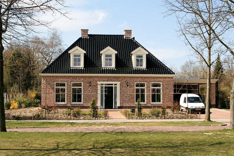 Benelux 275