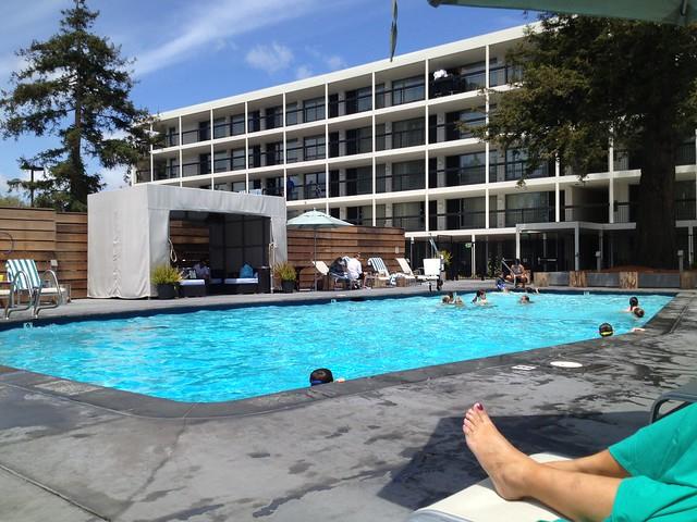 Hotel Paradox poolside
