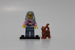 The LEGO Movie Collectible Minifigures (71004) - Mrs. Scratchen-Post
