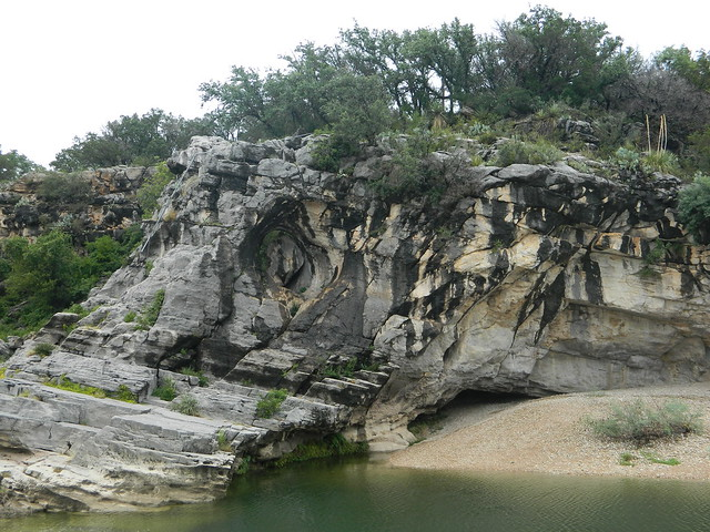 picture of rocks at state park