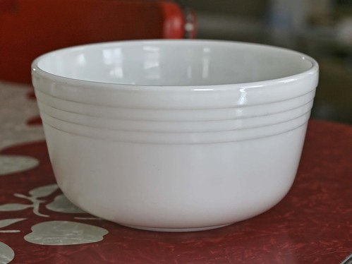 New Finds: Deco-esque Pyrex
