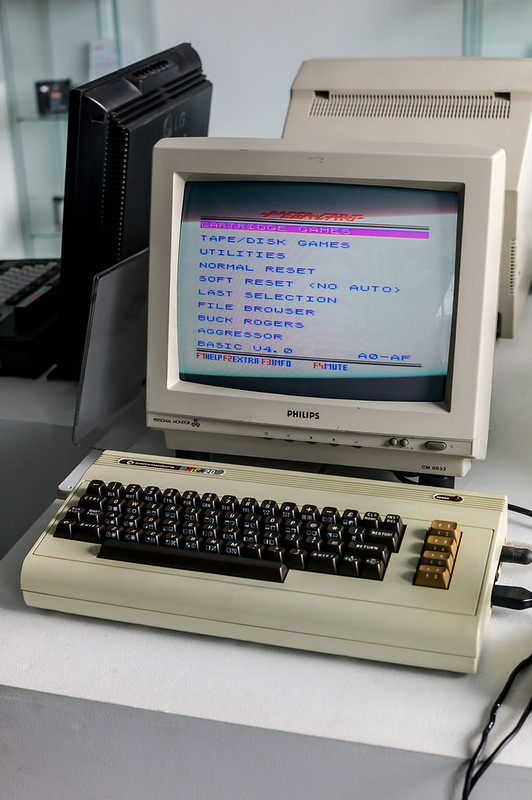 Commodore VIC-20 Computer at SimplyEighties.com