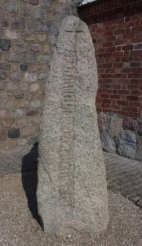 Sasserstenen ved Fjenneslev kirke