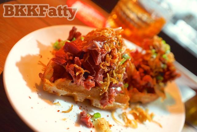 corned beef waffle bangkok