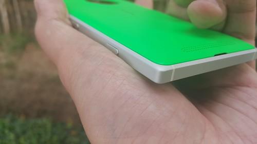 ขอบอลูมิเนียมเครื่องของ Lumia 830