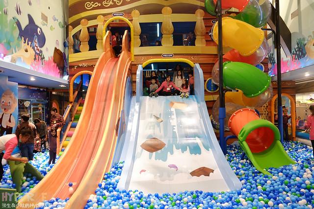 臺中金典騎士堡小木偶的家 - 來全臺最高5米溜滑梯溜小孩吧! @ 強生與小吠的Hyper人蔘~ :: 痞客邦