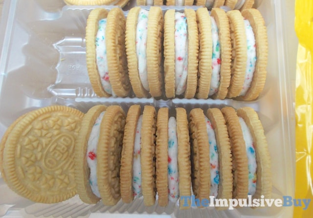 Nabisco Limited Edition Fruity Crisp Oreo Cookies 2