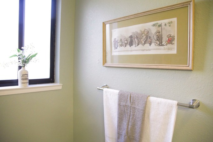 Bathroom Towels and Art