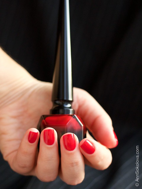 09 Christian Louboutin   Rouge Louboutin Vernis swatches