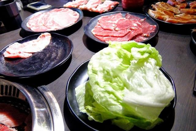 也可以點生菜跟著肉夾,減少一點油膩味