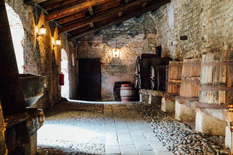 Cortile interno della Rocca di Angera