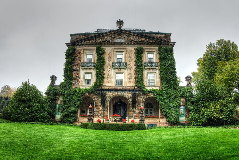 Kykuit from the front.