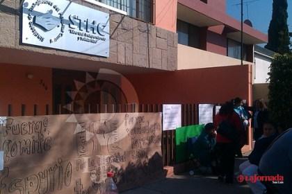 Trabajadores del Sindicato del Hospital Central toman instalaciones del sindicato