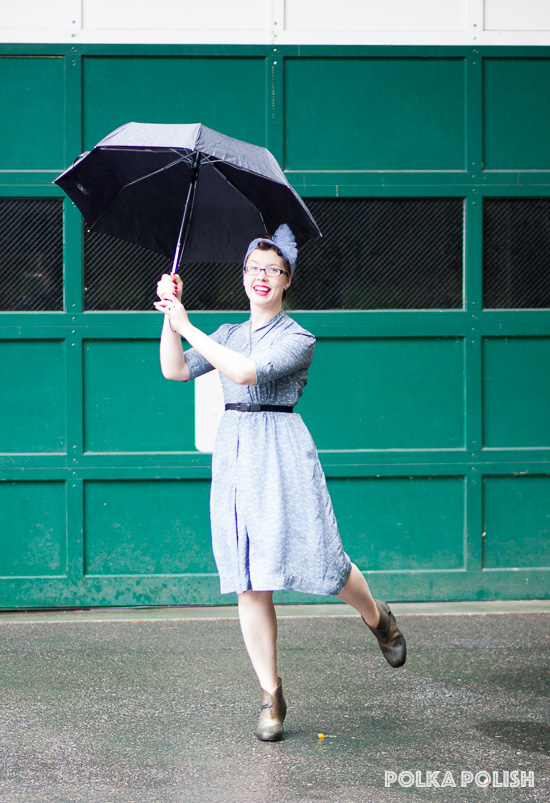 Vintage novelty print umbrella dress for a rainy day