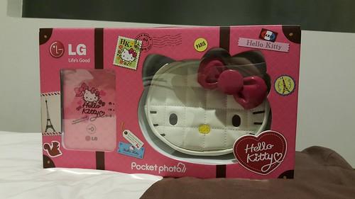 กล่อง LG Pocket Photo Hello Kitty Edition