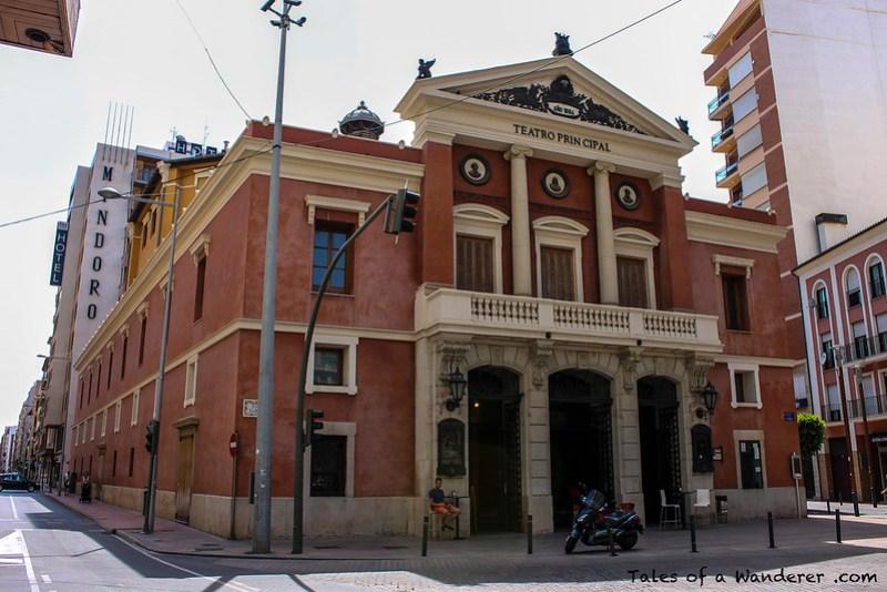 CASTELLÓN DE LA PLANA - Plaça de la Pau - Teatro Principal