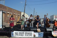 081 Side Street Steppers