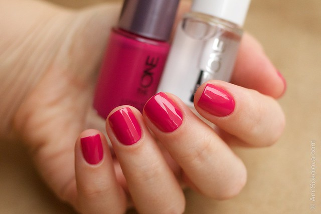 20 Oriflame The One Fuchsia with Oriflame The One Base & Top Coat