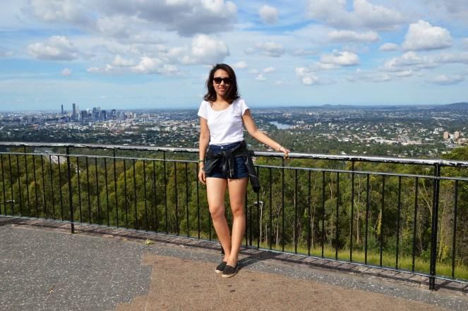 Mount Coot-tha, Brisbane, Australia, summer, basic, travel, outfit, espadrilles, high waist denim shorts, leather jacket, ray-bans