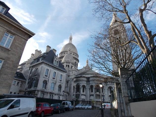 A basílica é gigantesca