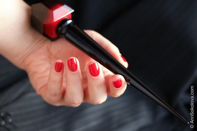 08 Christian Louboutin   Rouge Louboutin Vernis swatches