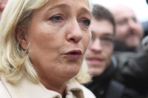 12a07 Le Pen y varios_0123 variante Uti 485